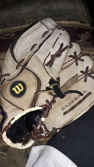 10 1/2 -baseball glove for Sale in Houston, TX