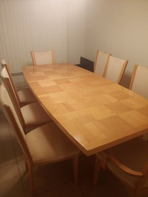 Dining Table comes with 8 chairs for Sale in Sanford, FL