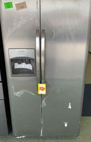 BRAND NEW FRIGIDAIRE LFSS2612TF REFRIGERATOR RXS for Sale in Los Angeles, CA