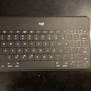 Logitech Bluetooth Keyboard iPad/iPhone/tablet for Sale in Hattiesburg, MS