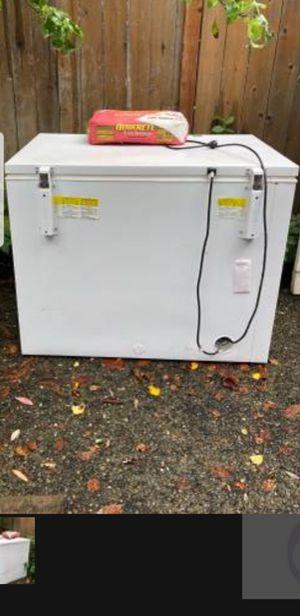 Whirpool deep freezer for Sale in Auburn, WA