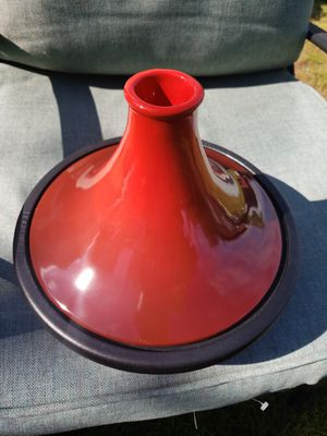 Le Creuset Moroccan Tagine 2.5 Quart Cast iron cookware. for Sale in Seattle, WA