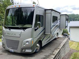 2016, Itasca Winnebago 31' three slides, 7600 miles! for Sale in Lake Stevens, WA