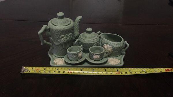 Children's ceramic tea cup set