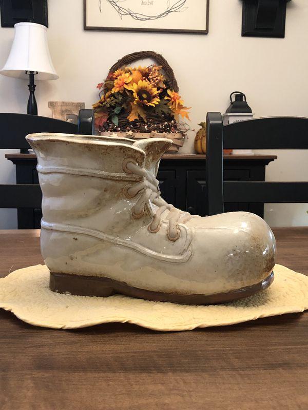 Glass boot plant holder