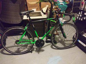 Kent 700 c road bike for Sale in West Palm Beach, FL