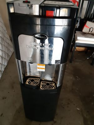 Coffee machine Estratto single cup turbo brewer like new works but leaks a bit for Sale in Katy, TX