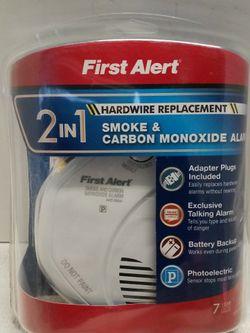 First Alert 2 in1 Smoke & Carbon Monoxide Talking Alarm for Sale in Vernon,  CA