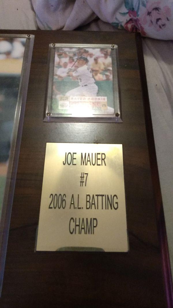 Joe mauer plague with rookie card