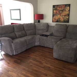 Sectional Couch- I Can Deliver (Read Description) for Sale in Seattle, WA