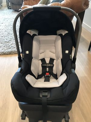 Clean Nuna PIPA car seat & base expires 2022 for Sale in Brush Prairie, WA