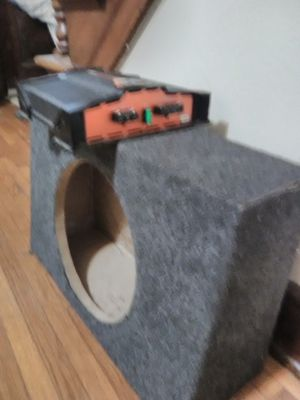 Speaker box and amp for Sale in Columbus, OH