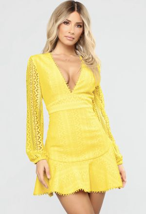 Sexy yellow dress size Lg for Sale in Philadelphia, PA