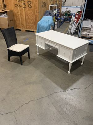 Desk and chair for Sale in Rockville, MD