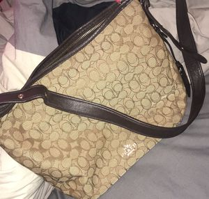 Coach Crossbody Adjustable Shoulder Bag / Size: Large / Color: Tan and Brown for Sale in Hollywood, FL