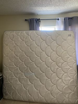 free mattress king size for Sale in Vista, CA