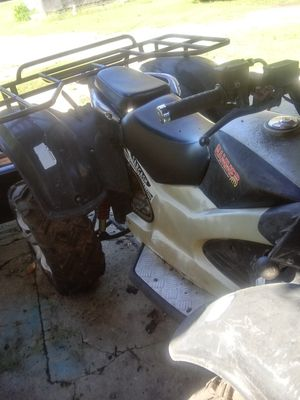 Four wheeler and a 1977 Star Wars lunch box for Sale in Quapaw, OK