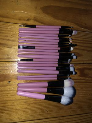 Makeup brushes 22piece set for Sale in North Las Vegas, NV