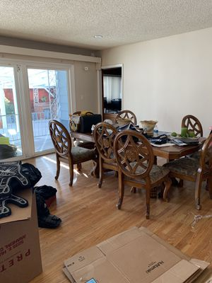 Table and 7 chairs for Sale in Montebello, CA