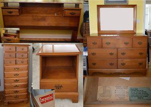 Make offer. Vintage 5 piece queen bedroom set for Sale in Lemon Grove, CA