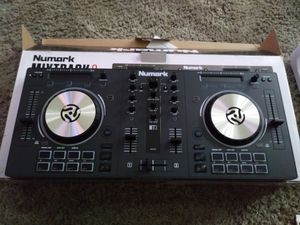 Numark Mixtrack 3 DJ controller for Sale in Aloha, OR