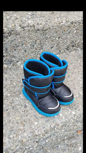 Kids / toddler boots size 9 great condition worn twice for boy or girl for Sale in Everett, WA