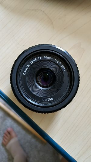 Canon 40mm Pancake lens for Sale in Palm Harbor, FL
