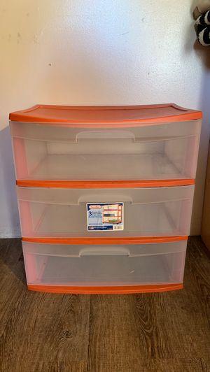 Plastic 3 drawer for Sale in San Fernando, CA