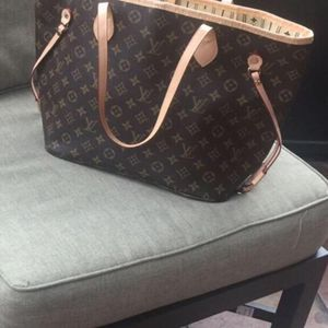 Medium Size bag for Sale in Hialeah, FL