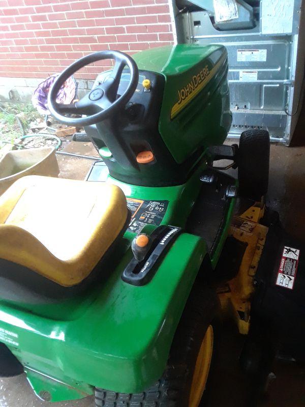 John Deere tractor lx280