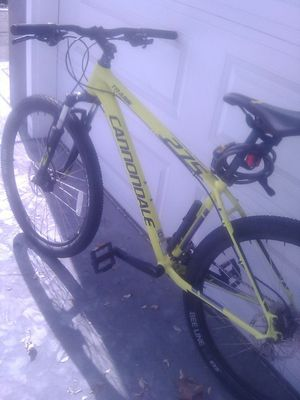 Cannondale 275 trail 6 mountain bike bee line 2.2 WTB Tires great condition almost new 1000 dollars or B.O for Sale in HILLTOP MALL, CA