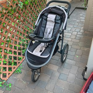 Graco Click Connect Jogging Stroller for Sale in Chino Hills, CA