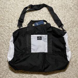 Hollister duffel bag for Sale in Orlando, FL