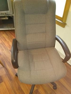 Computer gaming chair for Sale in Parma, OH