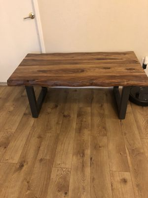 Monterey coffee table for Sale in Lake Elsinore, CA