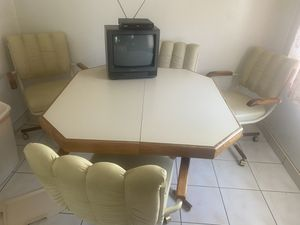 FREE Beautiful vintage rolling table & chairs for Sale in Long Beach, CA