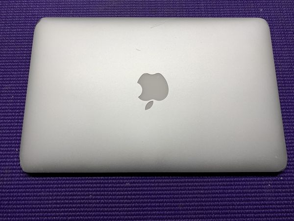 """FS/FT 2015 MacBook Air 11"""" Core i5 4 Gb RAM 128 GB SSD PRICE FIRM or Trade for PS4 Pro"""