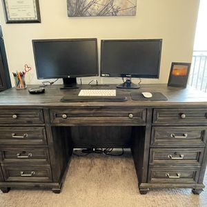 Gracie Oaks Executive Desk for Sale in Atlanta, GA