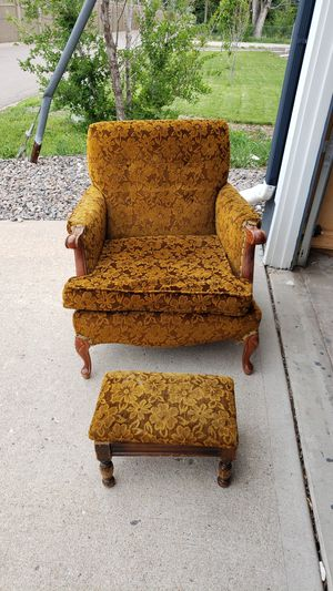 Antique chair for Sale in Aurora, CO