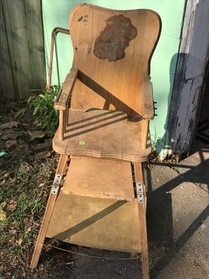 Antique Hi chair that turns into a chair for Sale in Wichita, KS