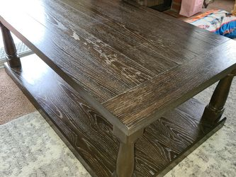 Mathis Brothers Solid Wood Coffee Table for Sale in Ontario,  CA