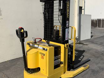 Forklift, Hyster W30XTR ($4950)  for Sale in Garden Grove, CA