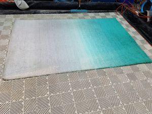 Nuloom Polyester 5x8 area rug for Sale in Mesa, AZ