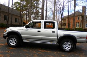 RWDWheelss 2004 TOYOTA TACOMA PRERUNNER 114,000 MILES NEW TIRES AUTOMATIC V6 3.4L CLEAN TITLE for Sale in Cincinnati, OH