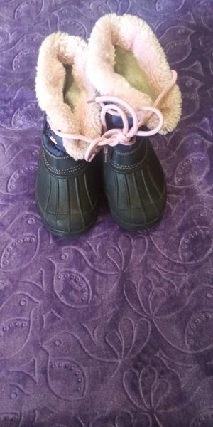 Kid snow boots for Sale in CA, US