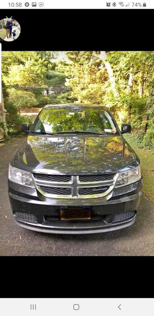 2011 dodge journey Mainstreet v6 Family van with three rows of seats. touch screen in perfect condition without any problem no lights for Sale in Yonkers, NY