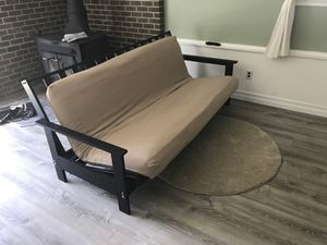 Futon set with area rug for Sale in Kent, WA