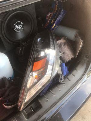 2014 Honda passenger side front headlight for Sale in The Bronx, NY