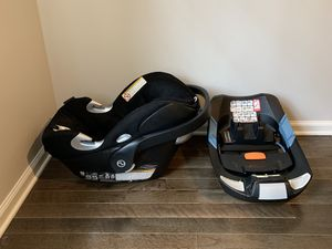 Cybex Aton Q Car Seat (with base) for Sale in Memphis, TN