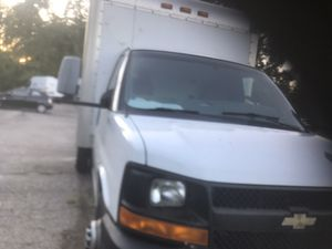 Chevy express cutaway 3500 box truck for Sale in Redford Charter Township, MI